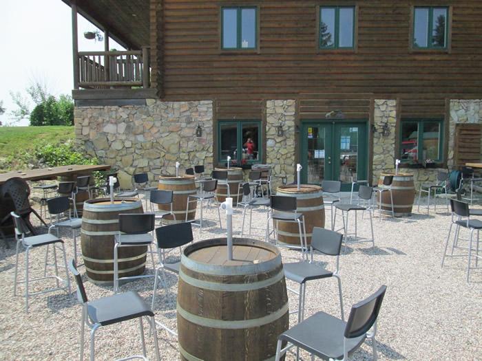 The outdoor patio at Jabulani Vineyard and Winery