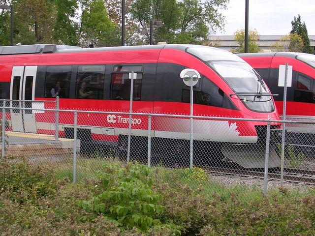 Barrhaven LRT expansion