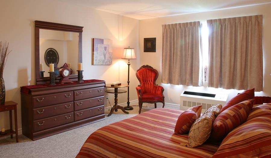 Barrhaven Retirement Home - Prince Of Wales Bedroom Suite